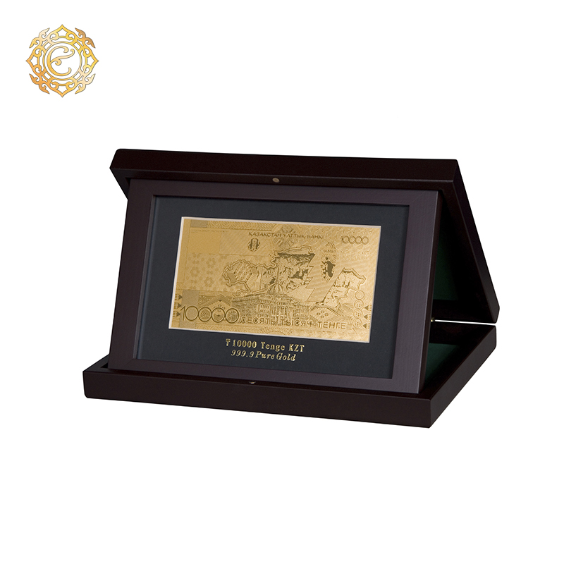 Банкнота «10 000 тенге» в кейсе
