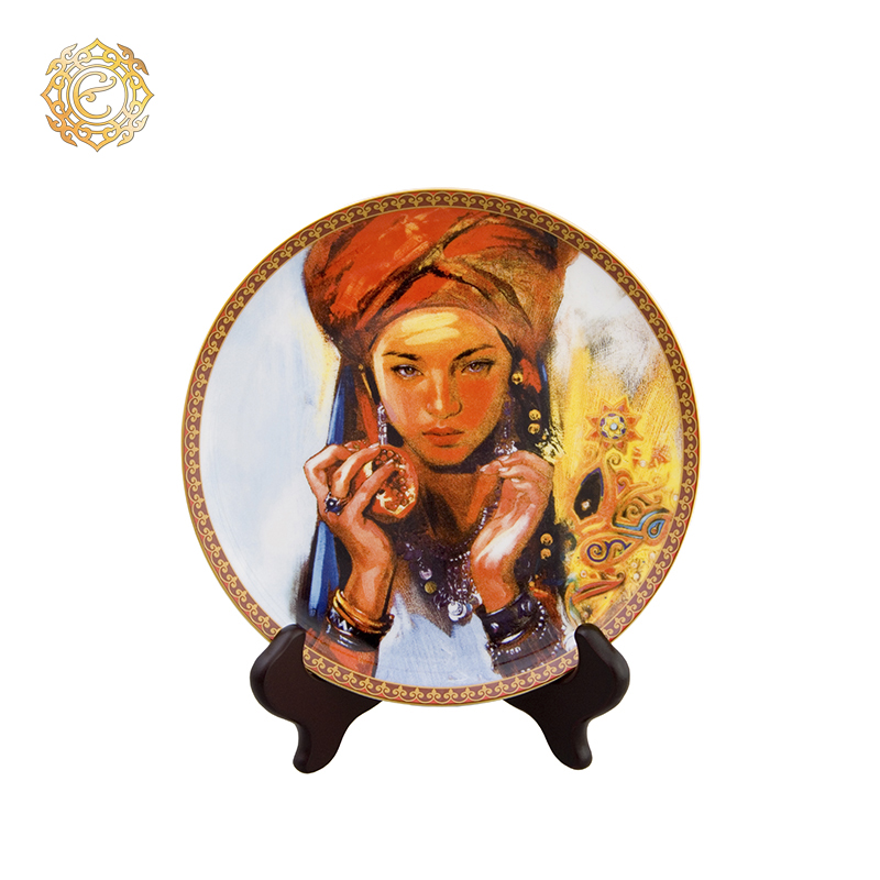 "Декоративная фарфоровая тарелка ""Фариза"""