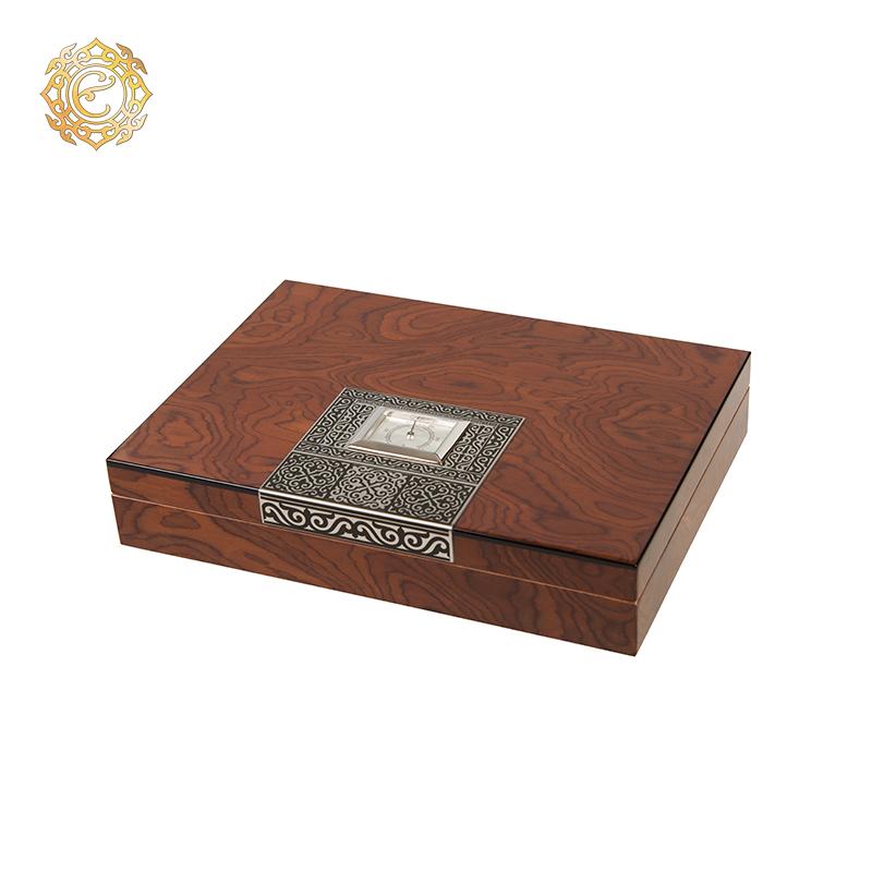 Кожаное портмоне «Тамғалы» с элементами национального орнамента